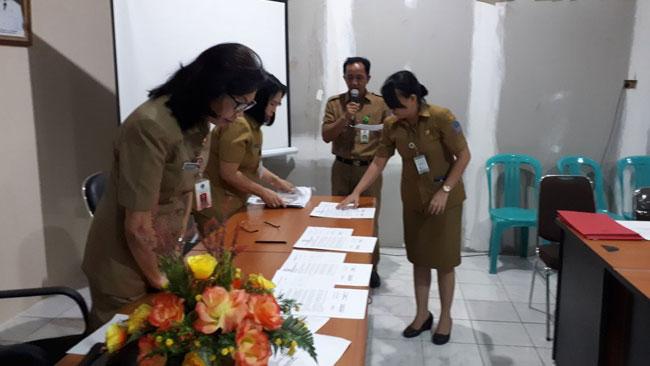 Komitmen Segenap ASN DInas PP-PA Daerah Provinsi Sulawesi Utara Dijabarkan Melalui Penandatangan Pakta Integritas